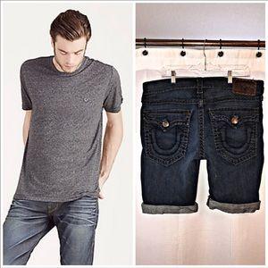 True Religion | Ricky Flap Pocket Short + T-Shirt